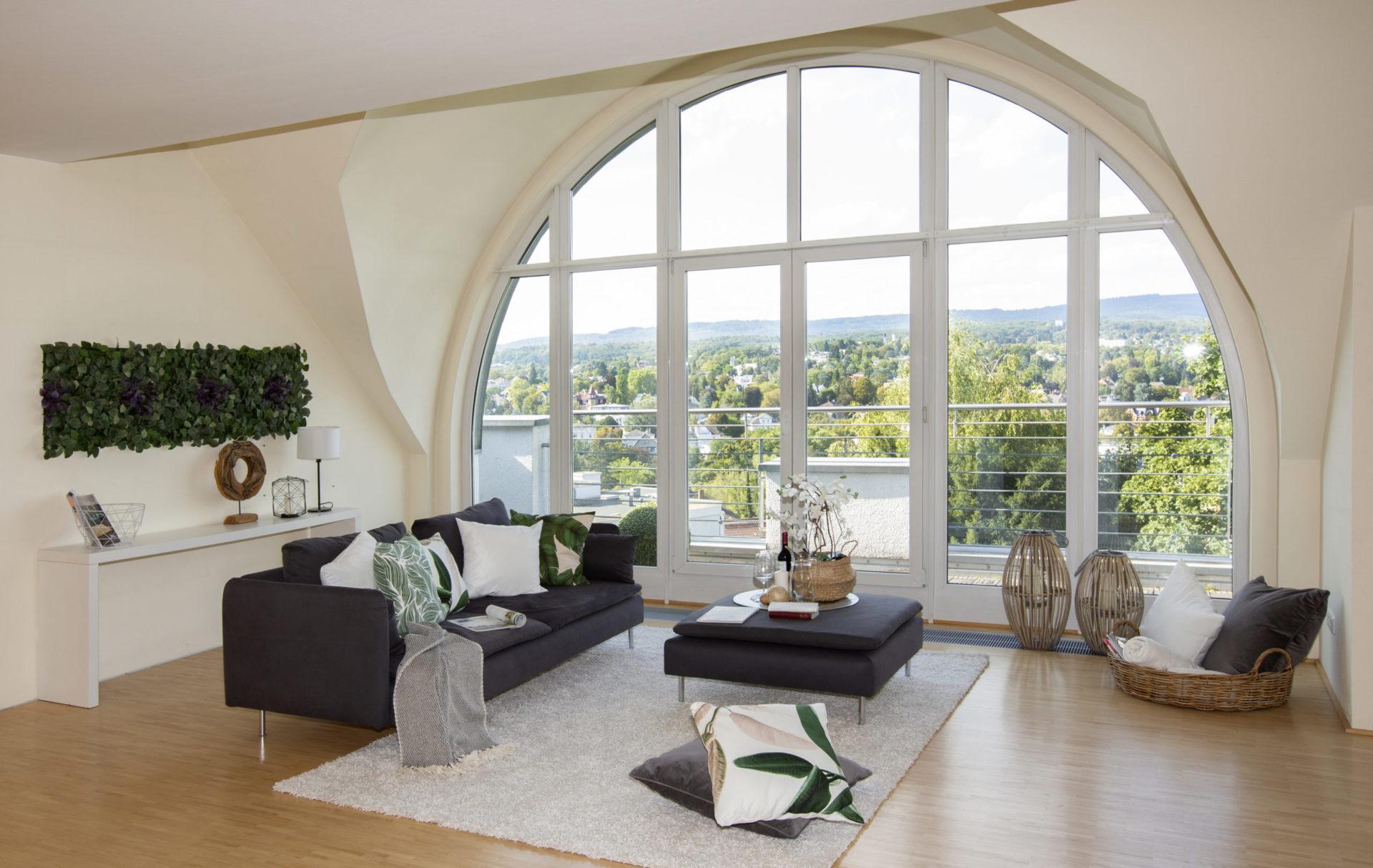 home staging rundfenster